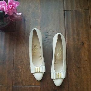 Ferragamo Vintage Cream Leather Vara Heels (5AA)
